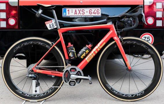 De gouden BMC SLR01 van Greg Van Avermaet